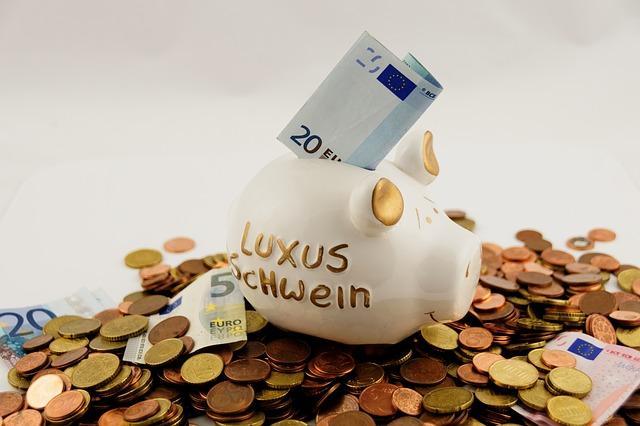 おもしろい貯金方法5選!浪費癖が激しい人でも貯まる方法とは?
