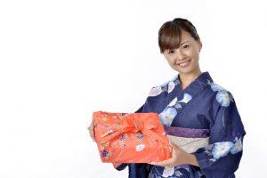 女性と手土産