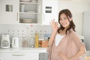 台所と女性