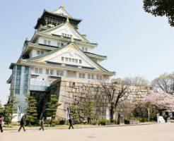 大阪城の桜(下から)