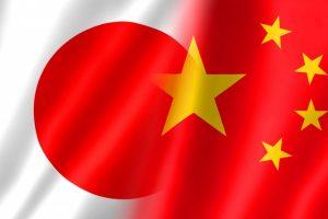 日本と中国の旗